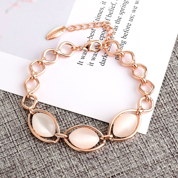 Picture of Low Cost Rose Gold Plated Classic Fashion Bracelet with Low Cost