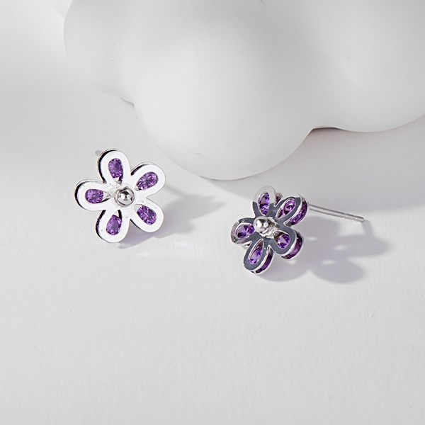 Picture of Amazing Small Cubic Zirconia Stud Earrings
