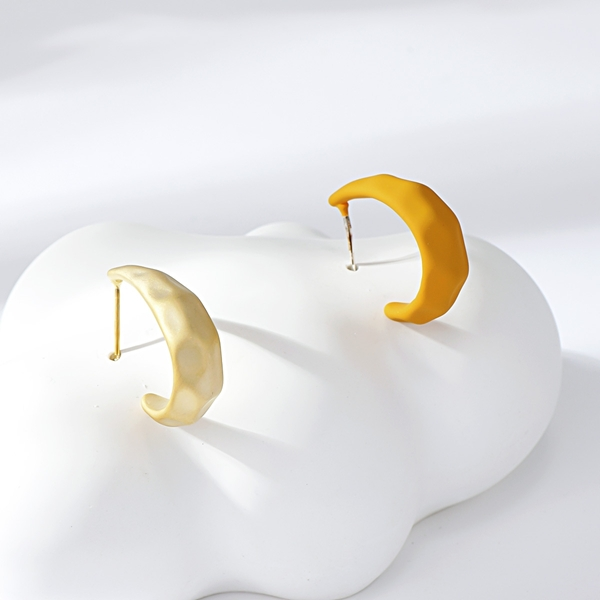 Picture of Impressive Yellow Small Stud Earrings with Low MOQ