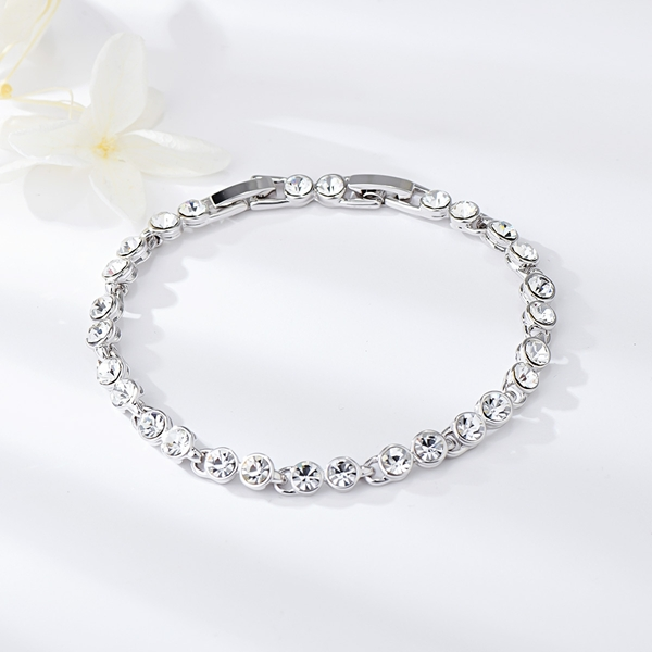 Picture of Great Value White Small Fashion Bracelet with Full Guarantee