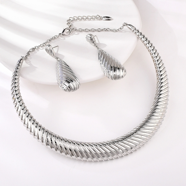 Picture of Good Big Platinum Plated 2 Piece Jewelry Set